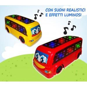 Rudy il bus pazzerello amico dei bambini cammina cambia direzione se incontra ostacoli emette suoni e luci colorate