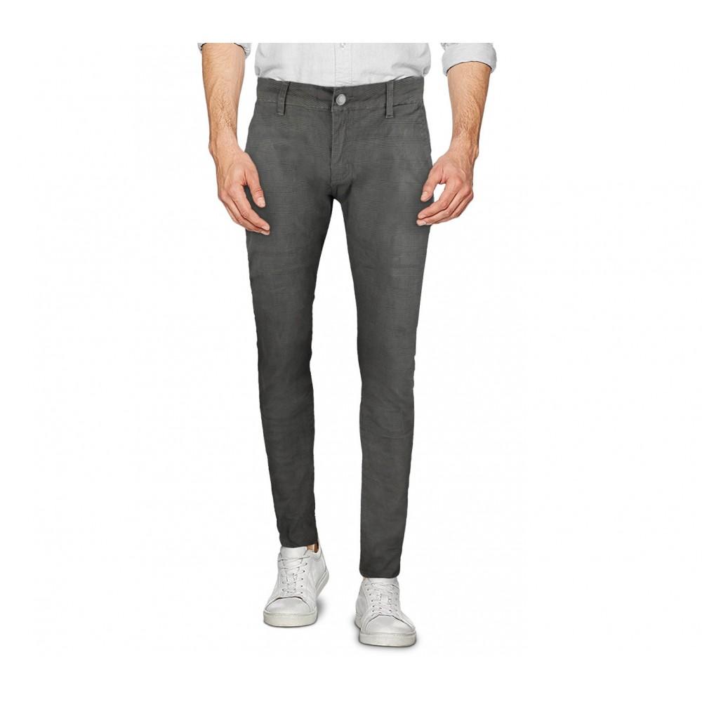Pantalone da uomo D1126 modello Ross taglie dalla 44 alla 54 pratici e versatili
