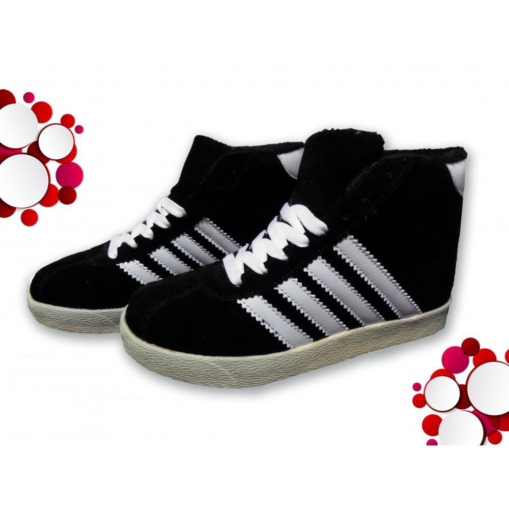 differently 3951c d03fa Scarpe sneaker donna modello CITY con punta tonda e suola...