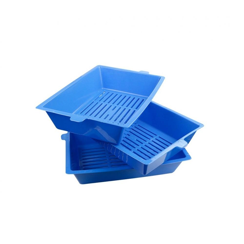 Lettiera con sistema auto-pulente a 180° a tre vaschette da 42 cm con bordi