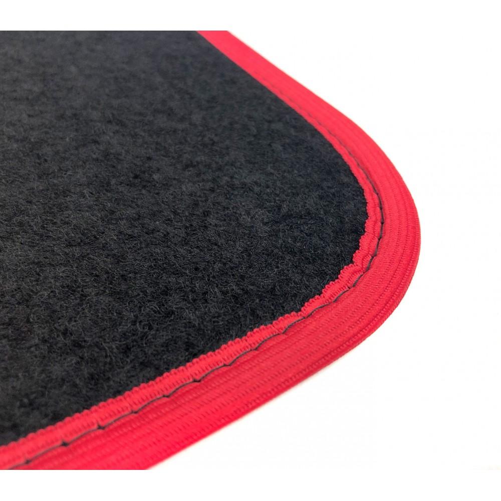 TA051 Set 4 tappetini XONE SPEED in moquette con fondo antiscivolo in 4 colori