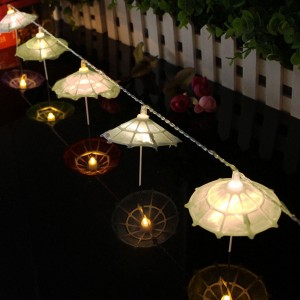 Catena Luci 10 ombrellini led da esterno 037189 a batterie 210cm per feste