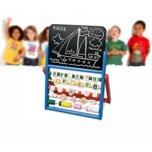 Lavagna in legno colorato con abaco e pallottoliere su stand gioco educativo didattico per bambini