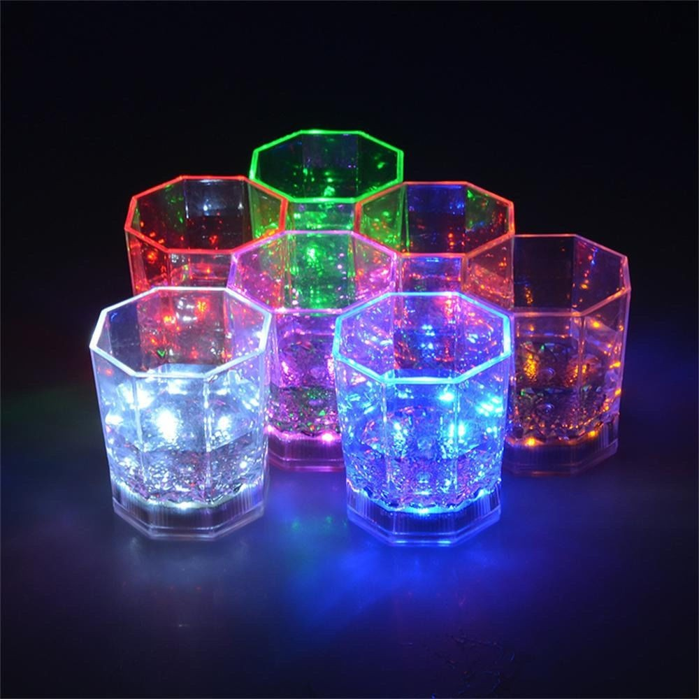 Bicchiere da cocktail 177 ml in plastica luminosa a led multicolore a batterie